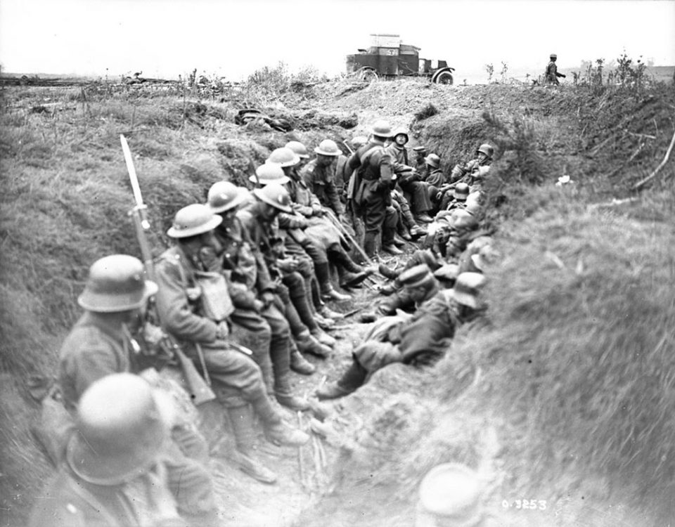East of Arras, Canadians with German prisoners (LAC M#3522285).