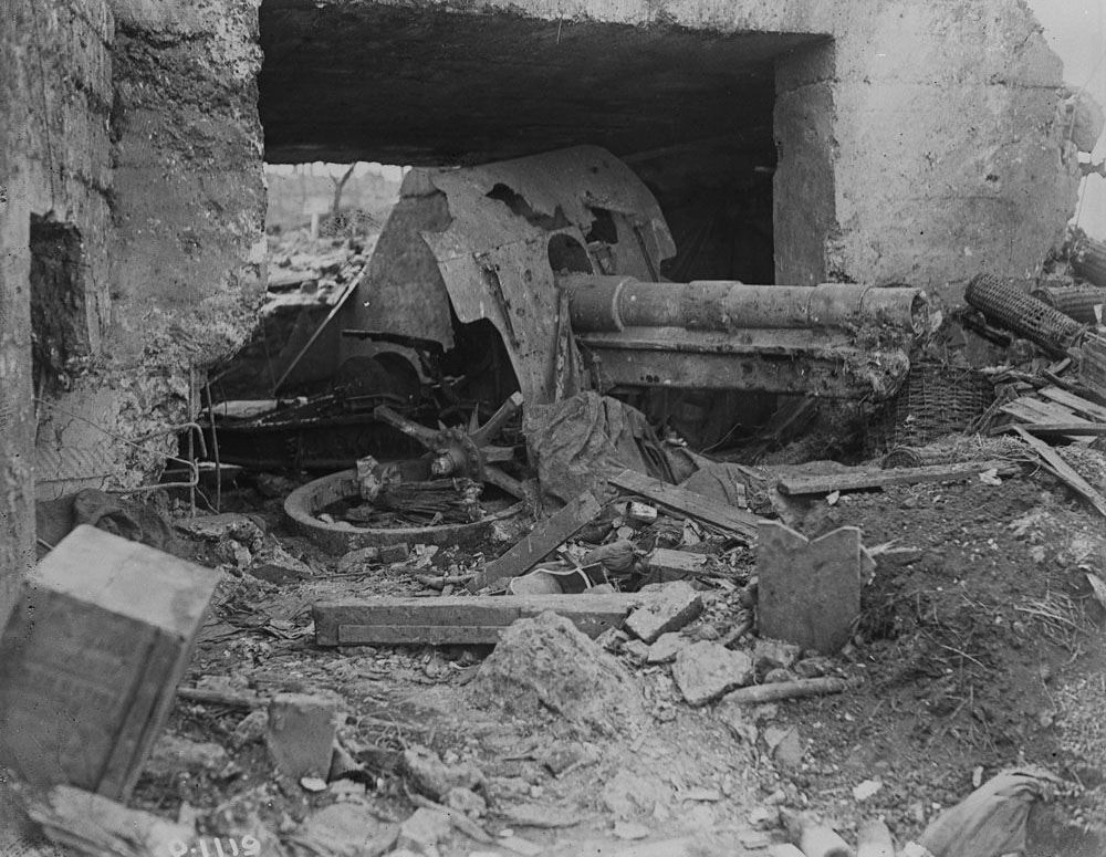 A German gun at Vimy ruined by a direct hit (LAC M#3521873).