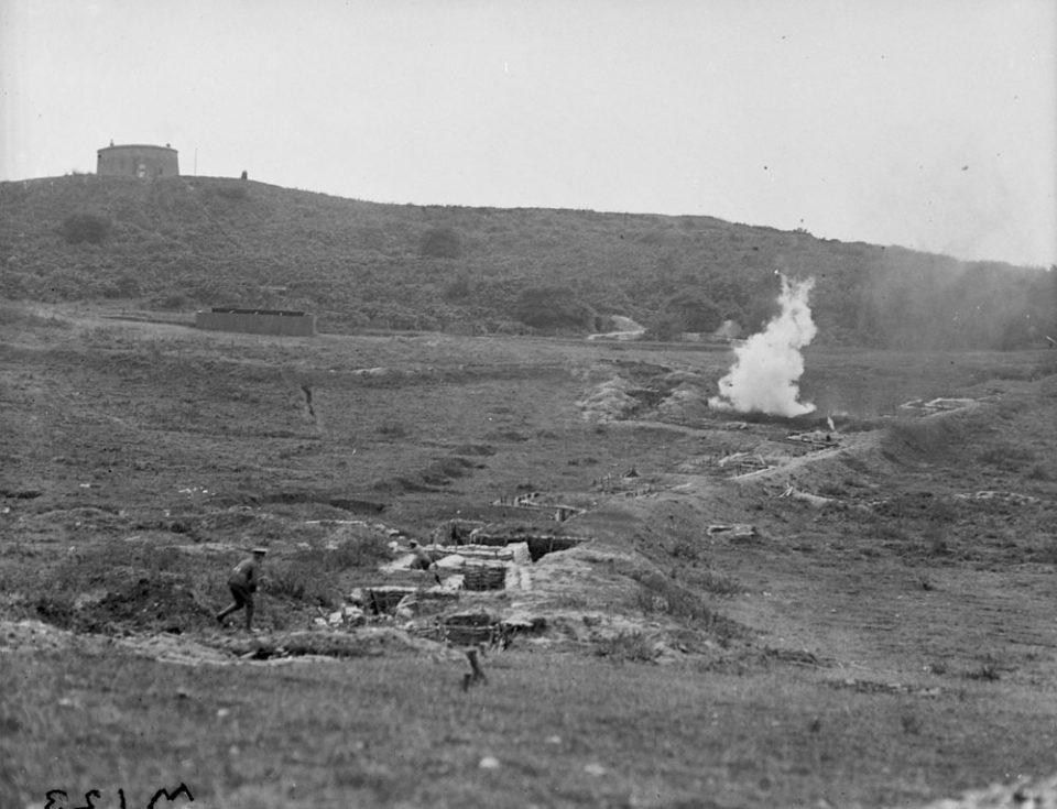 Explosives practice in Britain, Sept. 1917 (LAC M#3404532).