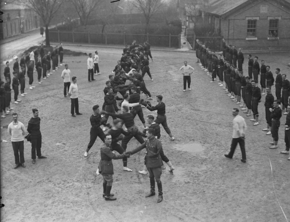 Boxing practice in Britain, Apr. 1918 (LAC M#3404580).